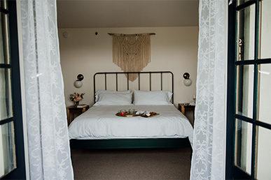 surf-hotel-ivy-ballroom-buena-vista-colorado-wedding-venue-boutique-hotel-nola-suite