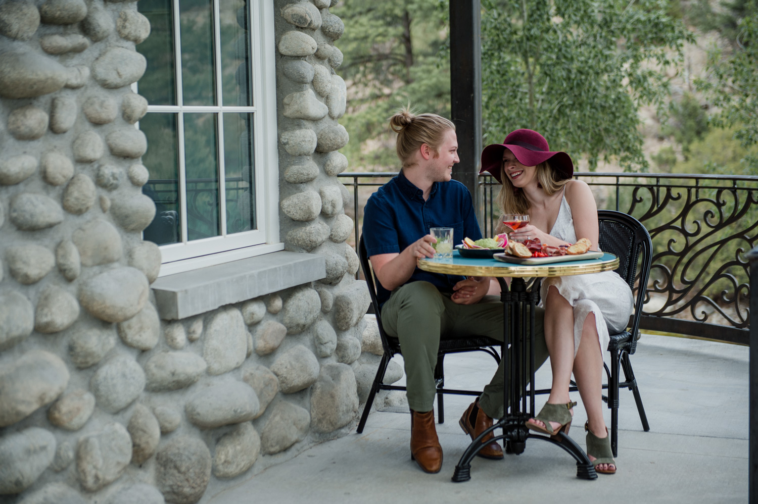 surf-hotel-chateau-buena-vista-contemporary-colorado-boutique-hotel-date-night-special-package-dinner-wesley-and-rose-special-offers